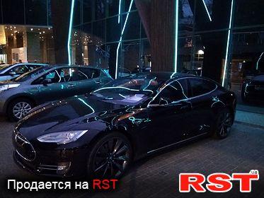 Tesla Model S 85D 2014
